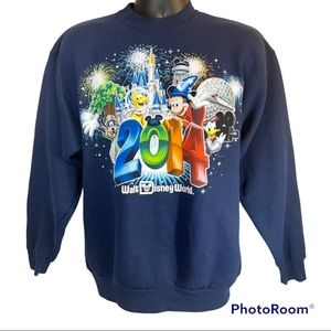 2014 Walt Disney World Sweatshirt Size Medium